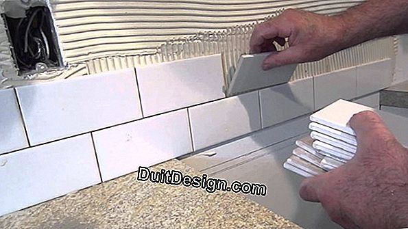 How to lay wall tiles without glue