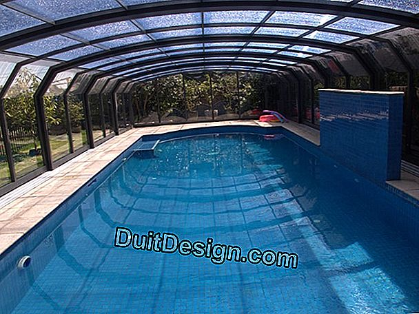 Telescopic pool enclosures: practical and compact