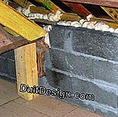 Insulation of roof voids with expansive foam