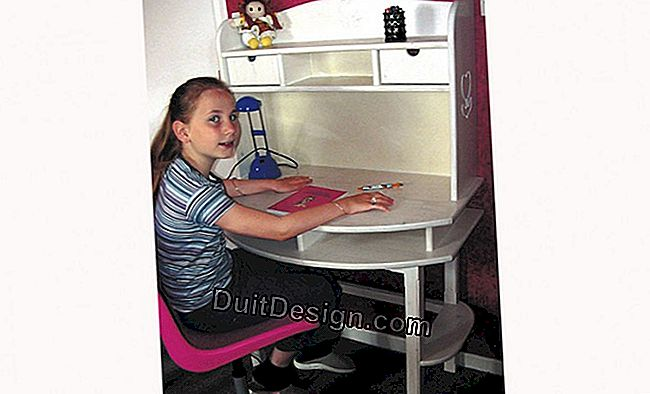 A child's desk simple to manufacture