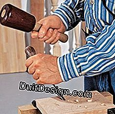 Carpentry: hit with the right hammer: wood