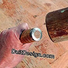 Carpentry: the ferrule can withstand the blows of mallet