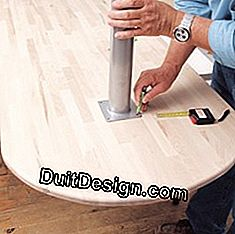 Fix the foot under the table top