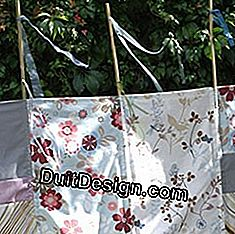 decorate with ribbons a garden screen