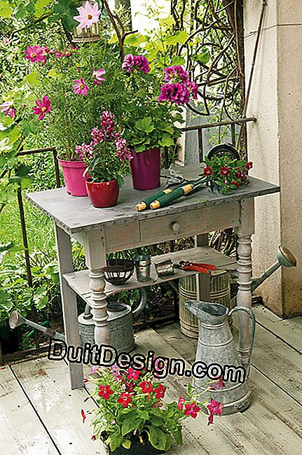 Potting table to tinker yourself in the garden