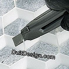 Delicately cut the honeycomb geotextile