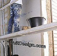 Start the stabilizer flush with a wall edge.