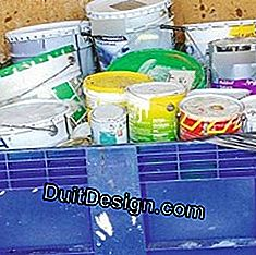 Paints and varnishes must be deposited in a dump.