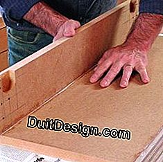 Assemble the elements of a MDF furniture