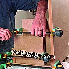 Maintain the elements of a piece of furniture with the clamp