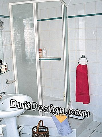 Fit shower screens