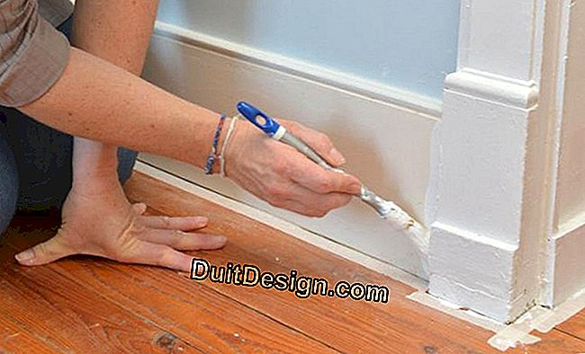 Painting a complete piece of parquet on the walls: wall