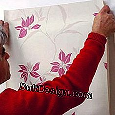 Motif wallpaper: how to pose successfully?: motif