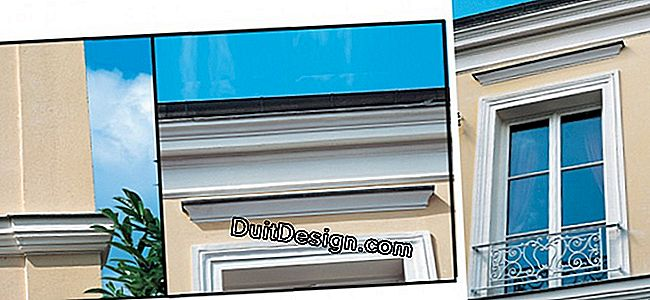 Renovating a facade: moldings redone