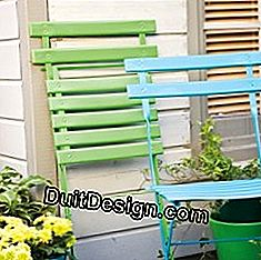 to paint wooden garden chairs _ edding