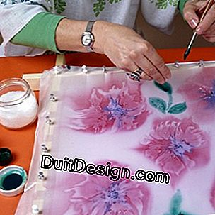 Freehand fabric painting