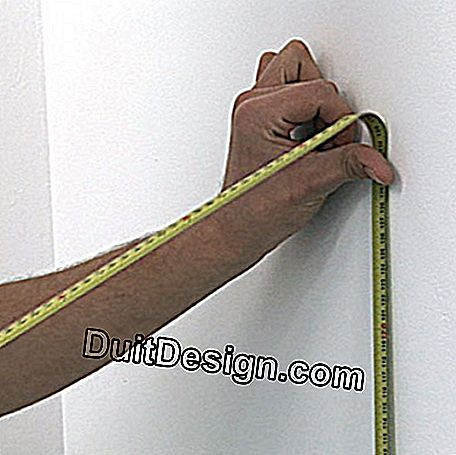 Take measures to define the length of the strips
