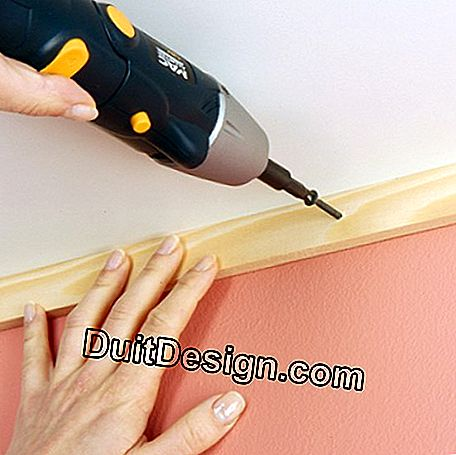 Attach a cleat in the wall / ceiling corner